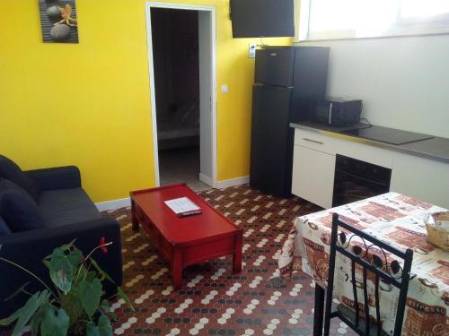 La Maison du Monde : Apartment near Flavignac