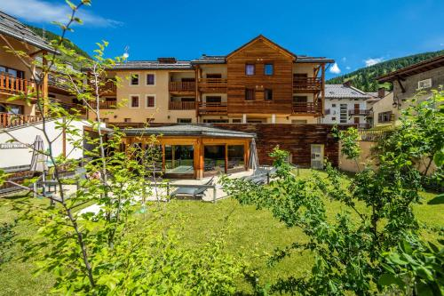 Mona Lisa Les Balcons Du Viso : Guest accommodation near Aiguilles
