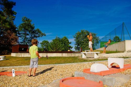 Orpheo Negro : Guest accommodation near Creyssensac-et-Pissot
