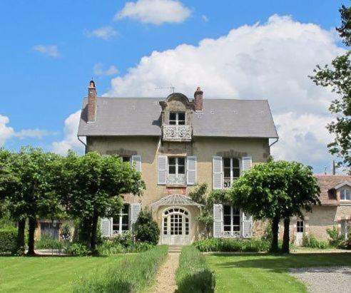 La Traverse Chambres d'Hotes : Bed and Breakfast near Saint-Dizier-Leyrenne