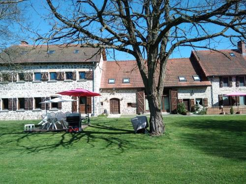 A l'Orée du Parc : Bed and Breakfast near Villosanges