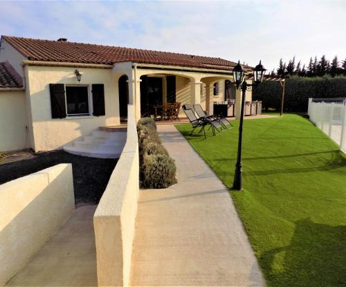 Villa Dendrane : Guest accommodation near Saint-Julia-de-Bec