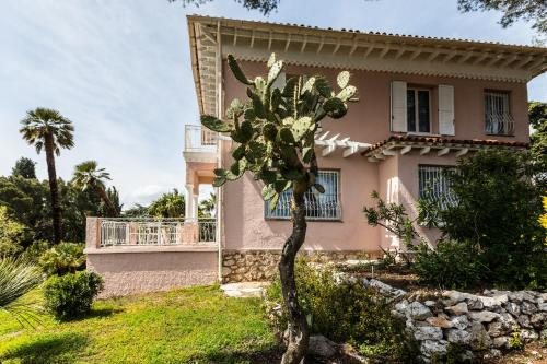 Stunning seaview villa. Villefranche Sur Mer : Guest accommodation near Villefranche-sur-Mer