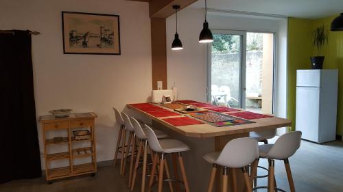 Maison du Conteur : Guest accommodation near Combrand