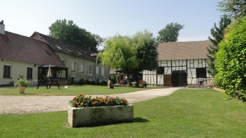 Les Chambres Du Haras : Bed and Breakfast near Mesnil-sous-Vienne