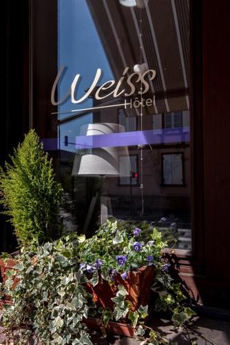 Hotel Weiss : Hotel near Merkwiller-Pechelbronn