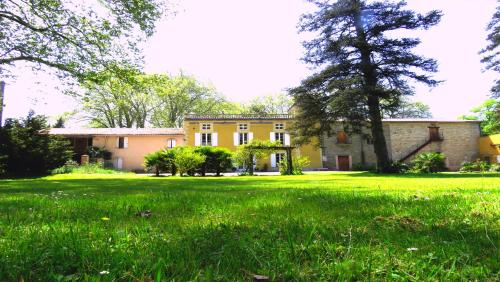 Château de la Prade : Bed and Breakfast near Raissac-sur-Lampy