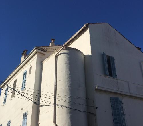 Studio Rue Lieutenant-Parachutiste Gerard Davet : Apartment near Toulon