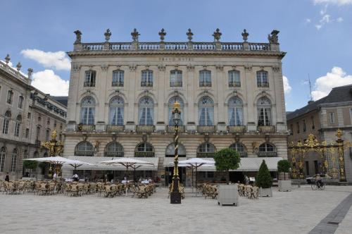 Grand Hotel De La Reine : Hotel near Nancy