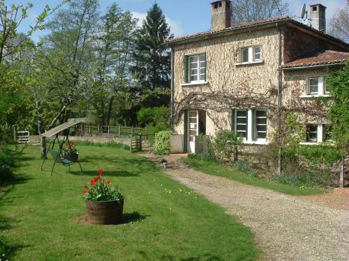 Le Moulin Fargan : Bed and Breakfast near Pressac