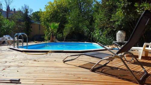 Gîte Lou Paradou : Guest accommodation near Orange