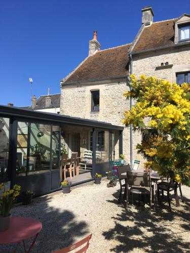 Le mas Normand : Bed and Breakfast near Sainte-Croix-sur-Mer