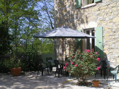 Mas Les Teyssiers : Guest accommodation near Grospierres