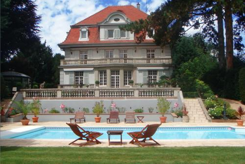 Villa Eden : Bed and Breakfast near Zimmersheim