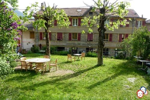 Hôtel de Valdeblore : Hotel near Bairols