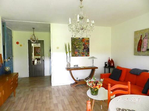 Appartement Monseigneur : Apartment near Theix