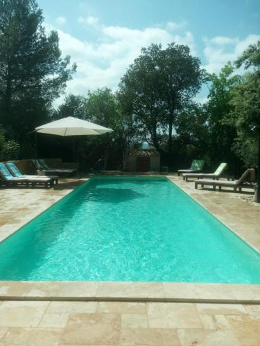 L'atelier : Bed and Breakfast near Poulx