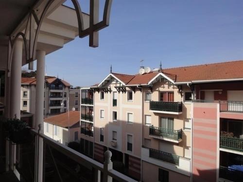 Apartment Centre ville - deux chambres - proche parc mauresque : Apartment near Arcachon