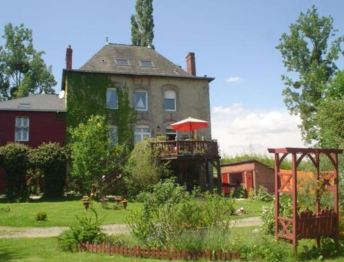 La Chaussee d'Olivet en Mayenne : Bed and Breakfast near Balazé