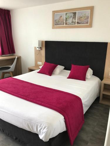 Kyriad Lille Est - Hem : Hotel near Tressin