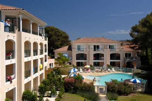 Résidence Odalys Aryana : Guest accommodation near Six-Fours-les-Plages