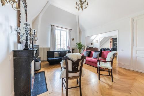 Les Demoiselles à Versailles - La Maison Particulière : Apartment near Le Chesnay