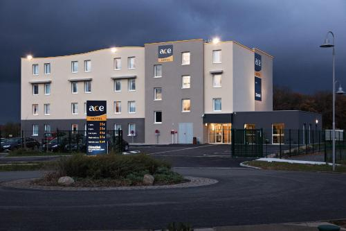 Ace Hotel Poitiers : Hotel near Liniers