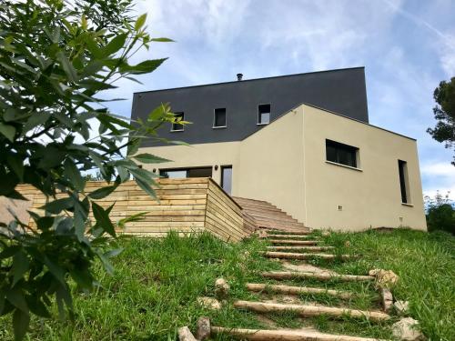 Entre vignes et forêt : Guest accommodation near Jonquières