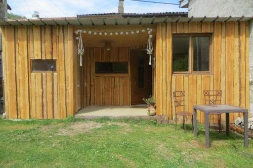 Tiyoweh : Guest accommodation near Gouzens