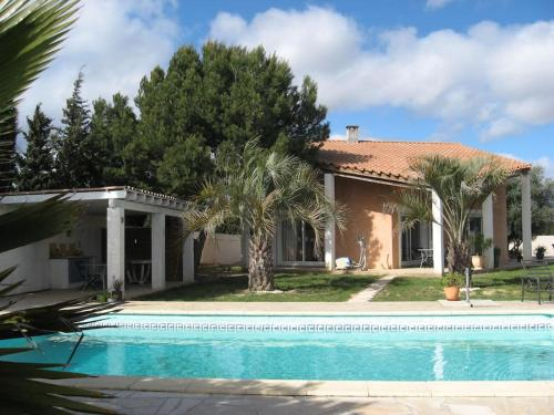 villa des 5 oliviers : Bed and Breakfast near Mirepeisset