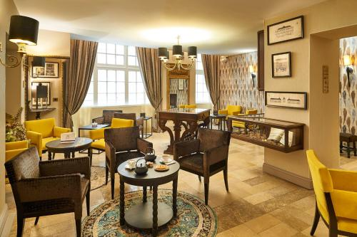 Best Western Premier Hotel Bayonne Etche Ona : Hotel near Bordeaux