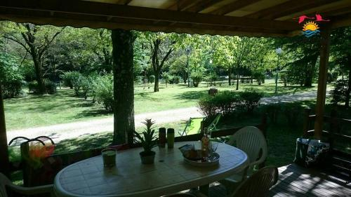 Camping Le Ventadour : Guest accommodation near Mayres