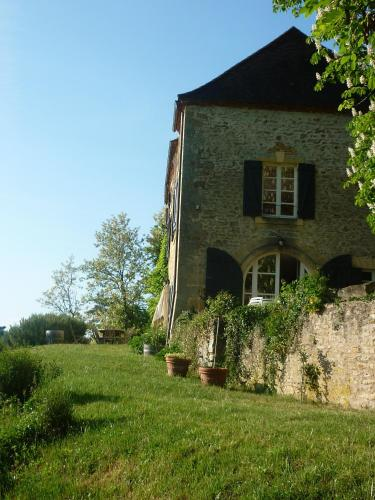 Maison d'Hôtes Béchanou : Bed and Breakfast near Limeyrat