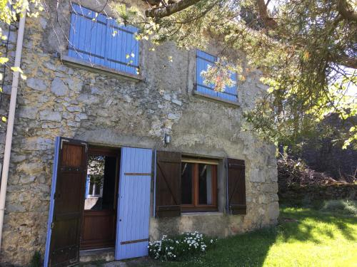Maison du Roc : Guest accommodation near Roquefeuil