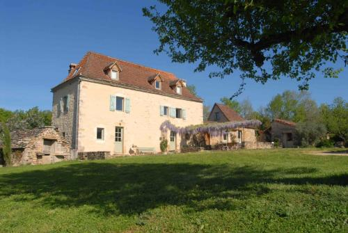 Mas de Redoules : Guest accommodation near Tour-de-Faure