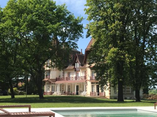 Manoir de Sornat : Guest accommodation near Saint-Léon