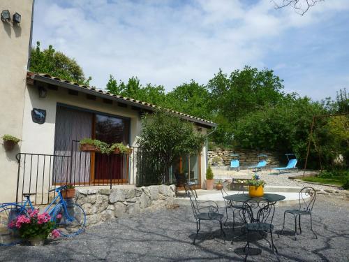 gîte Les Geais : Guest accommodation near Villeneuve-de-Berg
