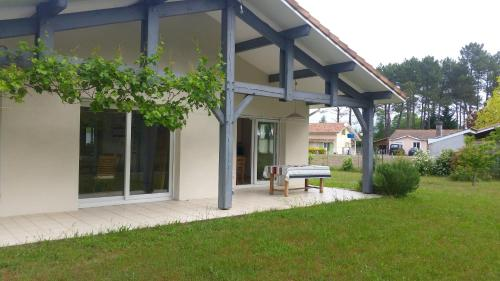 Holiday home Impasse des Chenes Lieges : Guest accommodation near Uza