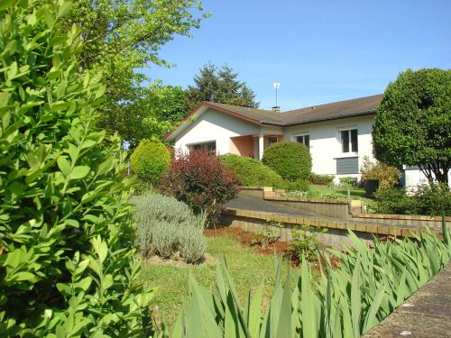 Chambre d'hôtes Bellevue : Bed and Breakfast near Adilly