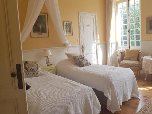 Chateau Garreau : Bed and Breakfast near Laroque