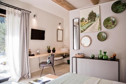 La Roussatino : Guest accommodation near Saint-Étienne-du-Grès