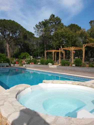 Chambres d'Hôtes Les Mayombes : Bed and Breakfast near Puget-sur-Argens