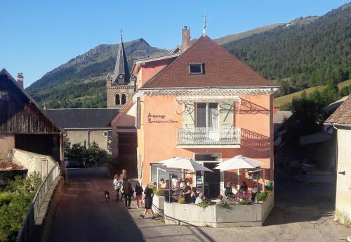 Auberge Buissonniere : Hotel near Saint-Martin-de-Clelles