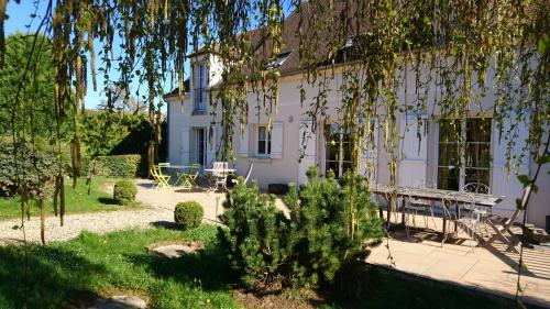 Les Chambres d'Elisabeth : Bed and Breakfast near Pontpoint