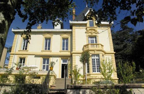 Villa Roassieux : Bed and Breakfast near La Tour-en-Jarez