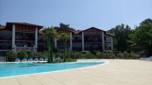 Appartement dans résidence de vacances 2 : Apartment near Sanguinet