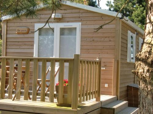 Chalets de la gloriette : Guest accommodation near Verton