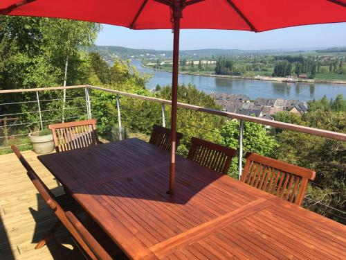 VUE SEINE - GITE PANORAMA : Guest accommodation near Moulineaux