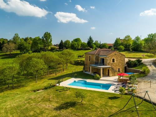 Maison De Vacances - Mazeyrolles 1 : Guest accommodation near Mazeyrolles