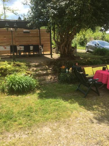 Bon Chez Nous : Bed and Breakfast near Saint-Dizier-Leyrenne